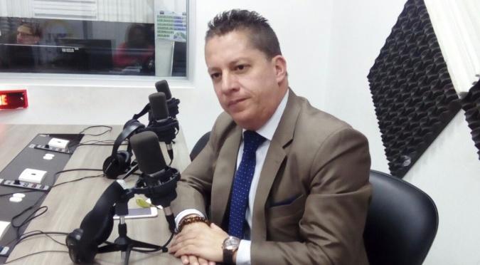 Guillermo Abad: Denuncias de cobros por regularización de taxis en Quito