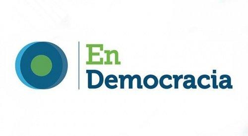 EN DEMOCRACIA