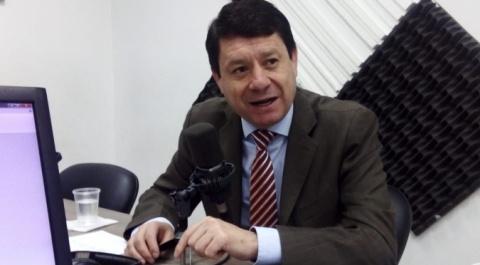 Asambleísta Esteban Albornoz