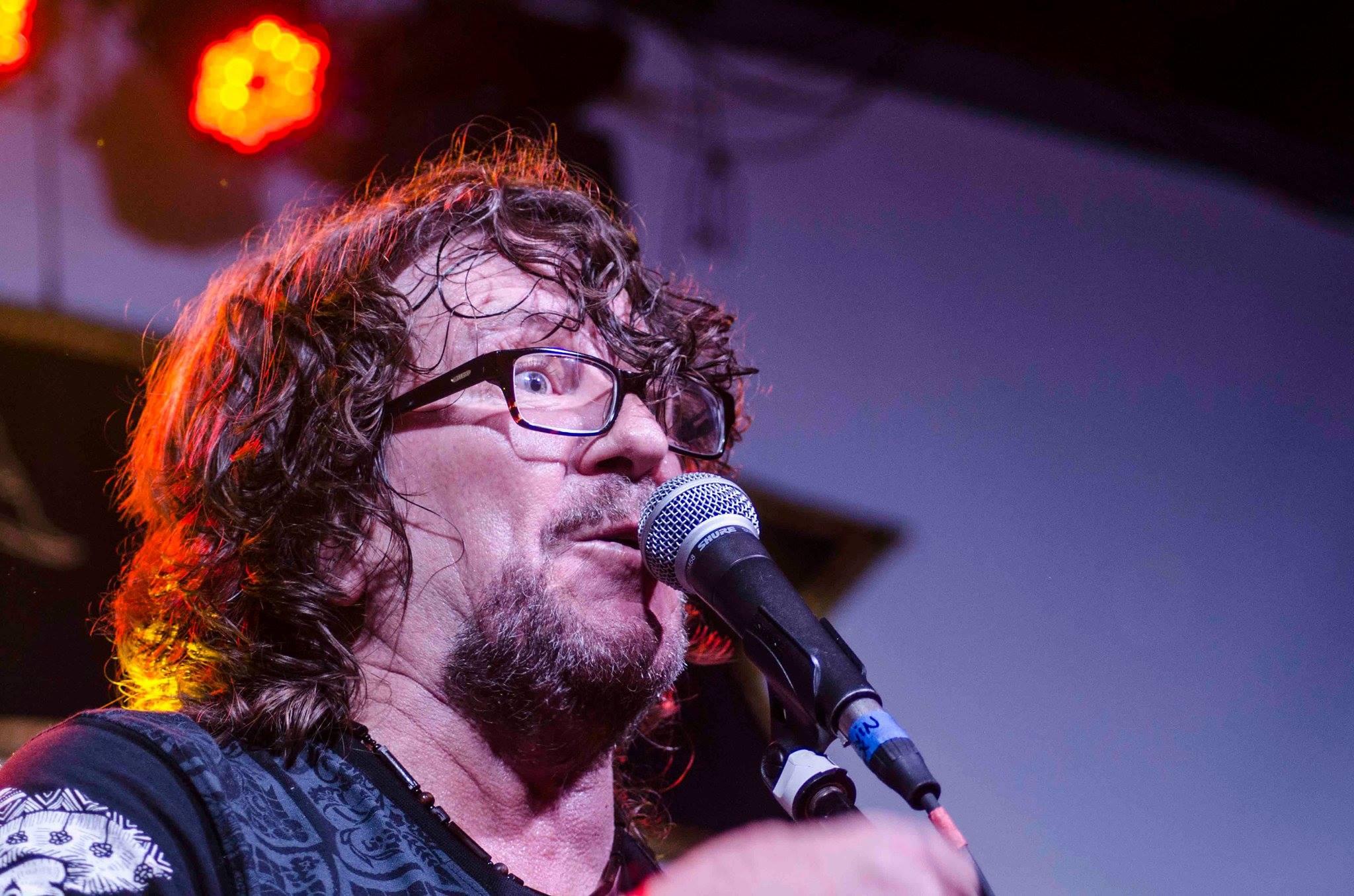 El Duende de la Calle Quito presenta entrevista a Alex Alvear