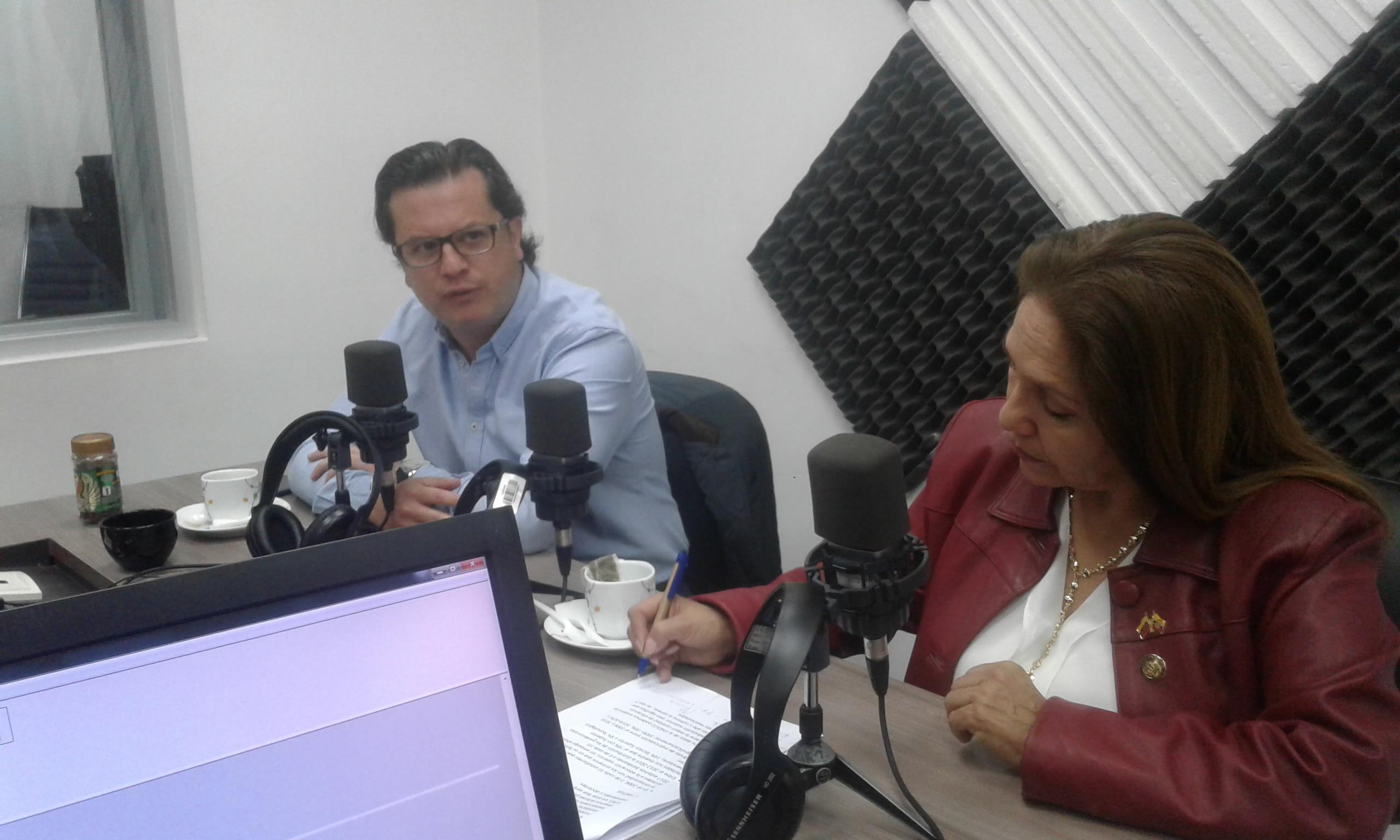 Charlas Legislativas: Amapola Naranjo y Héctor Muñoz