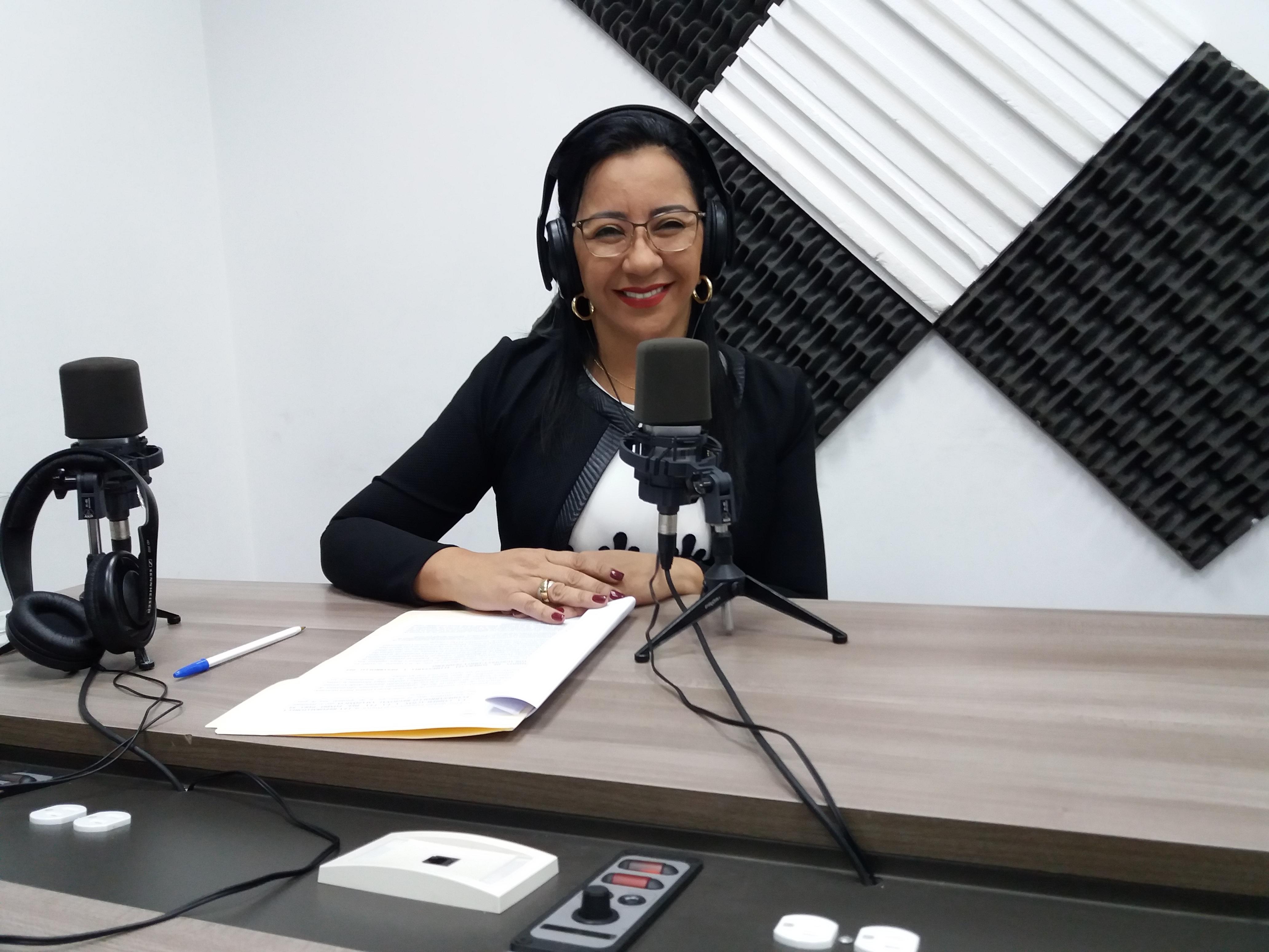 Charlas Legislativas: Roberta Zambrano y Carmen Rivadeneira