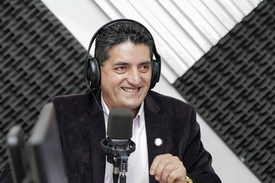 Ángel Sinmaleza: Un odontólogo dispuesto a trabajar