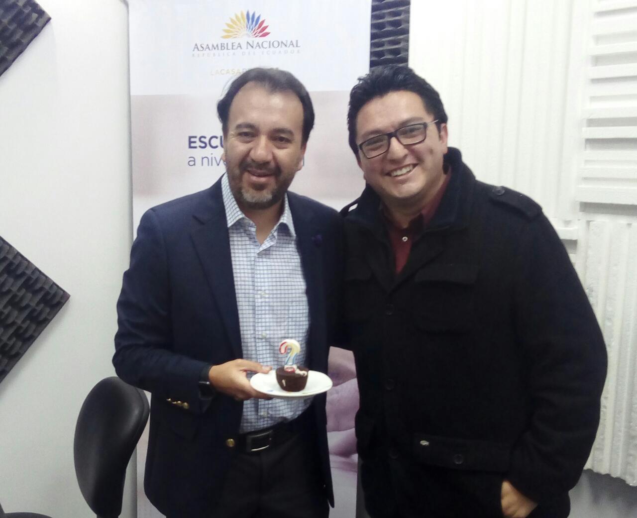 Tertulia festejando el cumpleaños de Pabel Muñoz