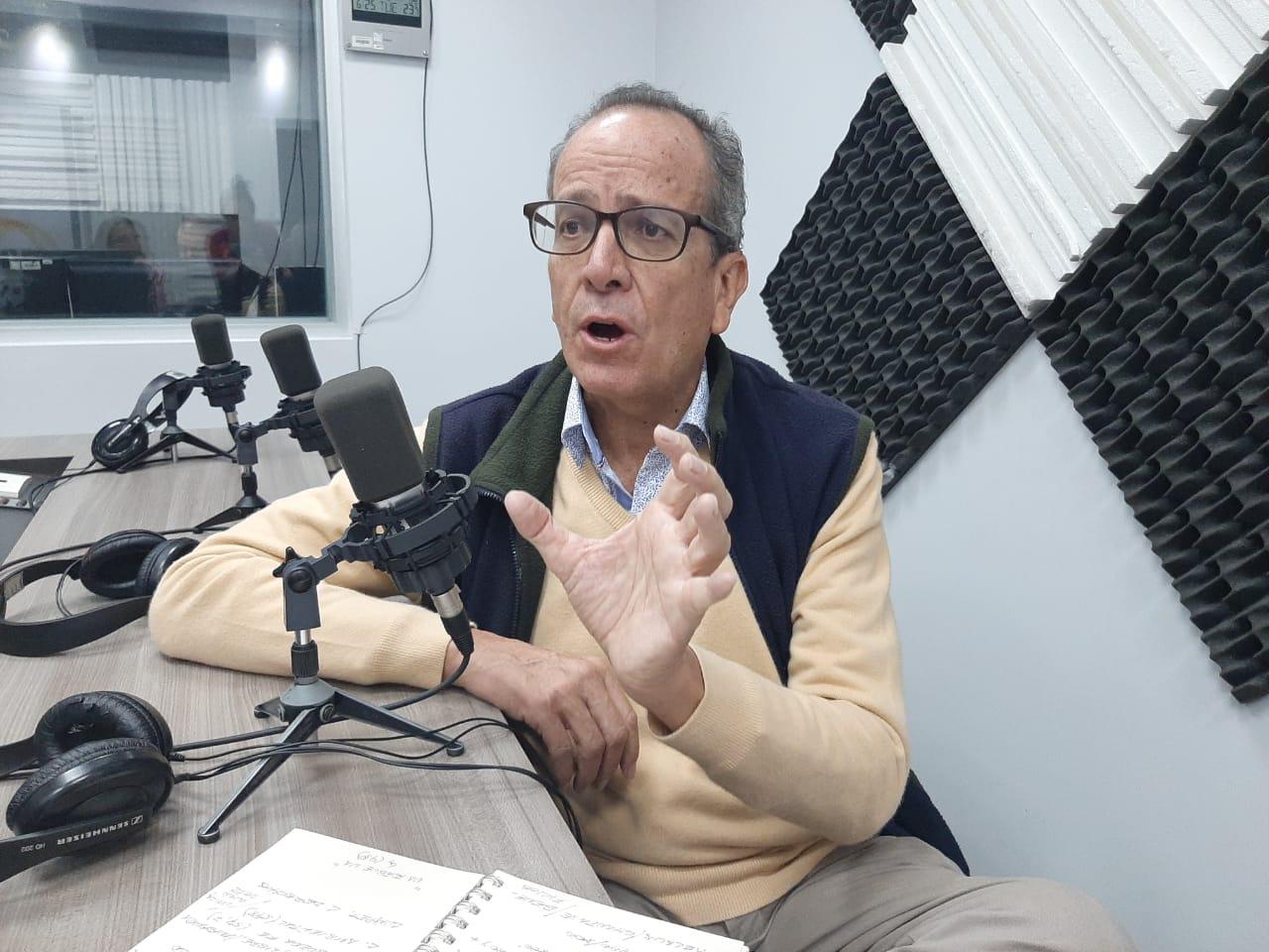 Alberto Acosta: Consultas previas en minería.