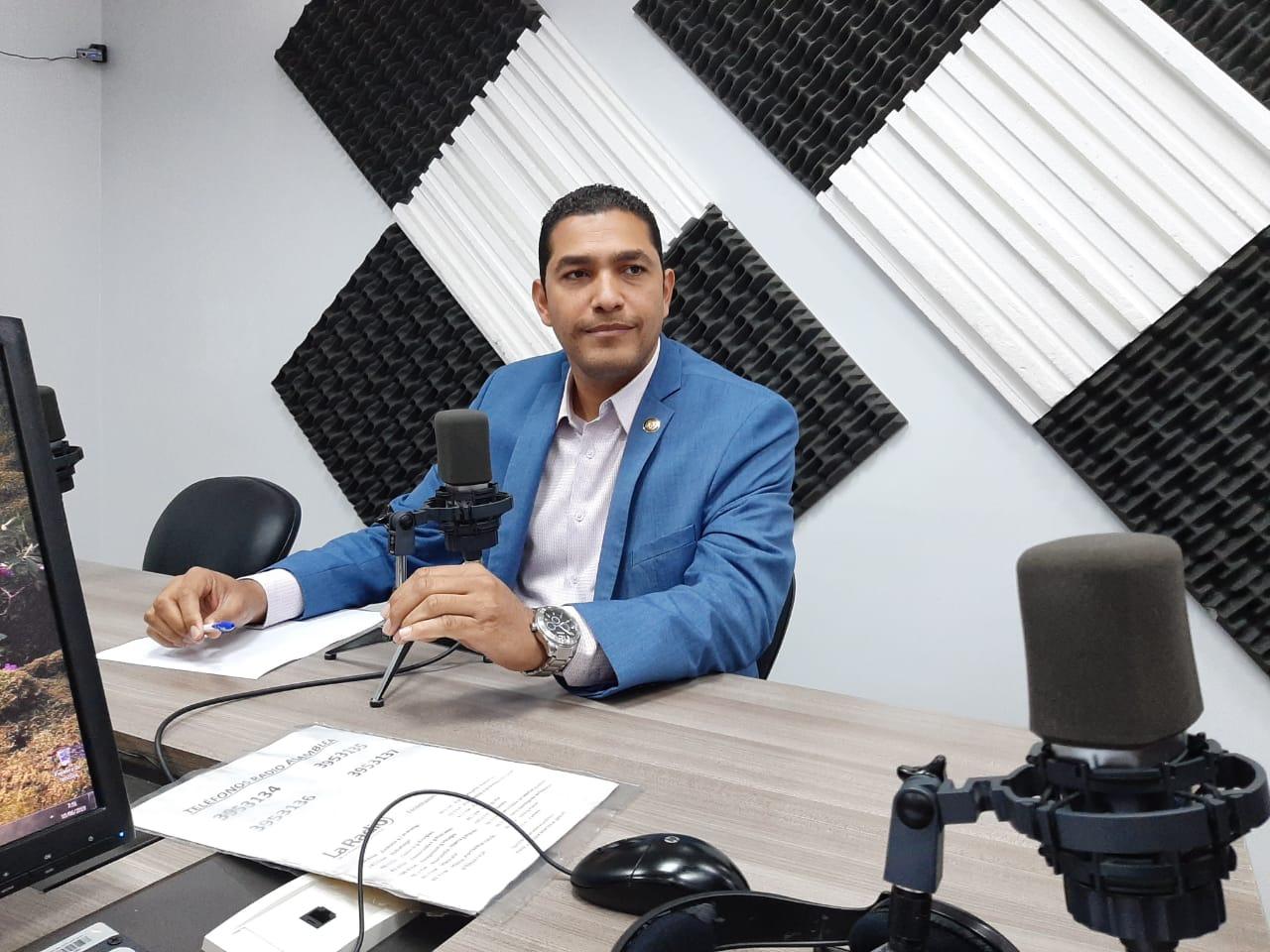 César Solórzano: Comisiones legislativas.