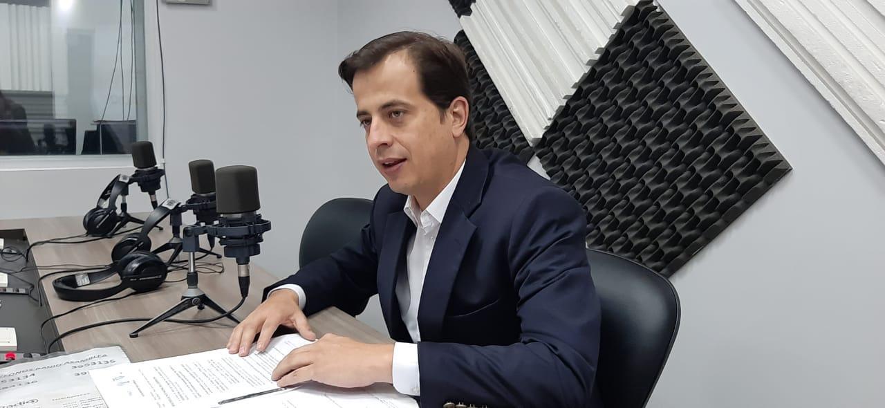 Álvaro Guzmán: demora en la entrega de placas para vehículos