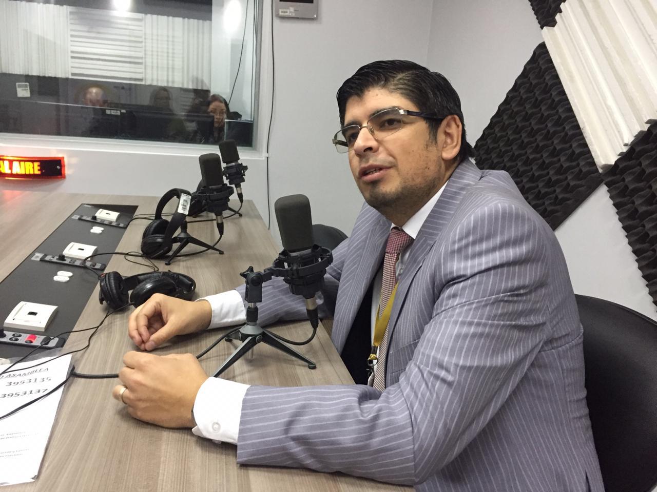 Andrés Ycaza: consultas populares contra la minería
