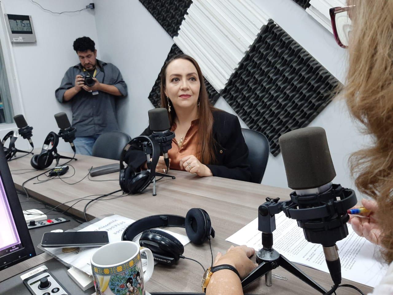 Lorena Naranjo: Proyecto de Ley de Protección de Datos.