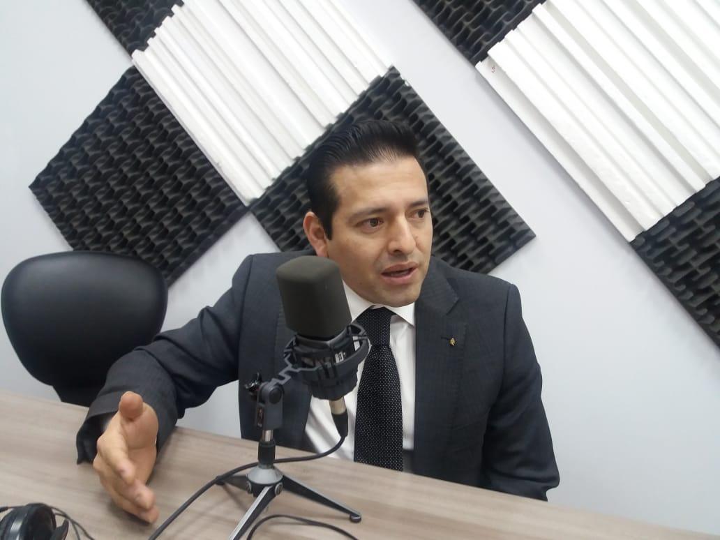 Fernando Salinas: Programa de comercialización de cocinas de inducción.
