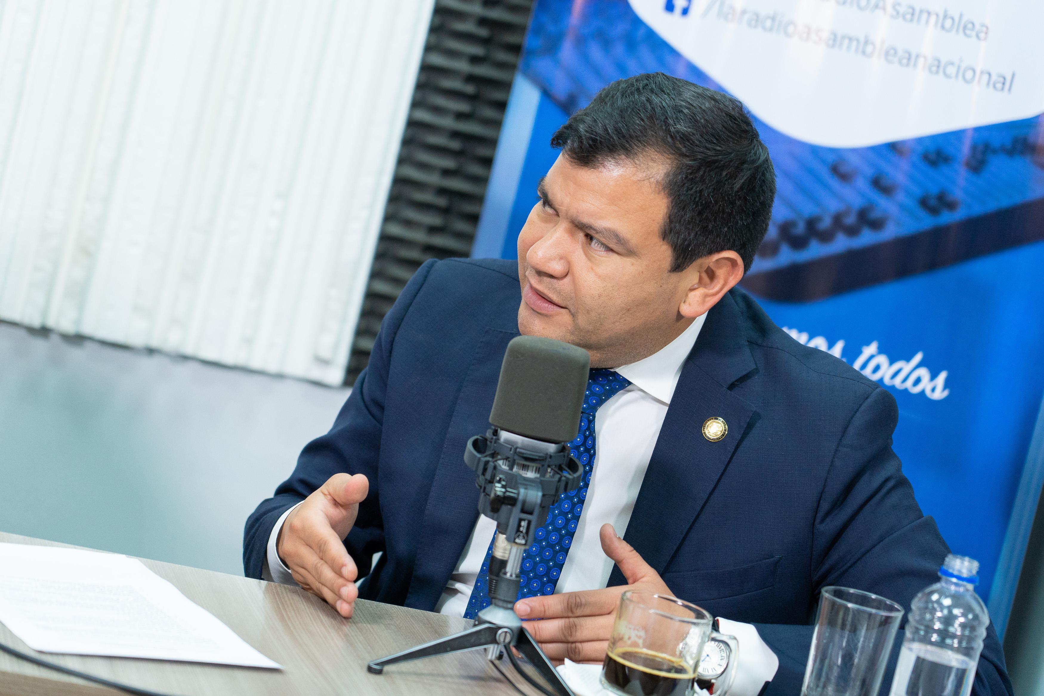 César Litardo: Proyecto económico urgente.