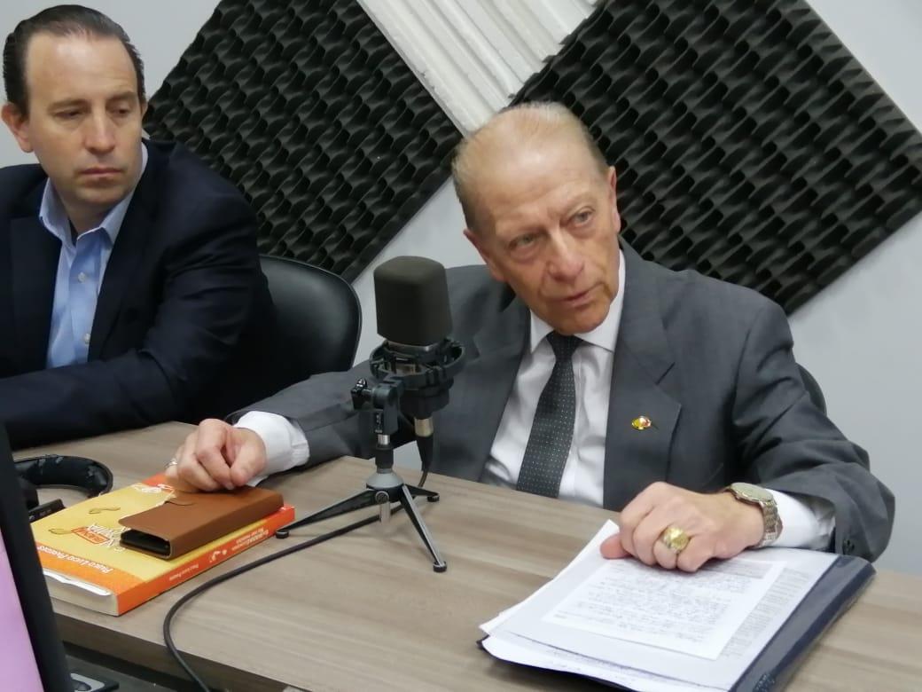 Víctor Hugo Albán y Patricio Alarcón: La Dolarización, 20 años después.