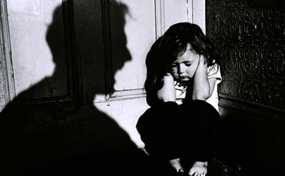 Efectos del castigo físico en niñas, niños y adolescentes